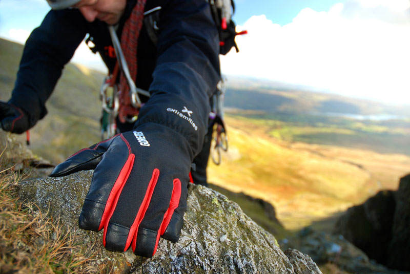 Extremities glacier glove climber lifestyle shot