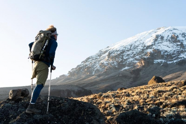 One legged Mammut brand ambassador climbs Kilimanjaro