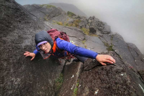 """Anna Taylor completes first """"self powered"""" Classic Rock round."""