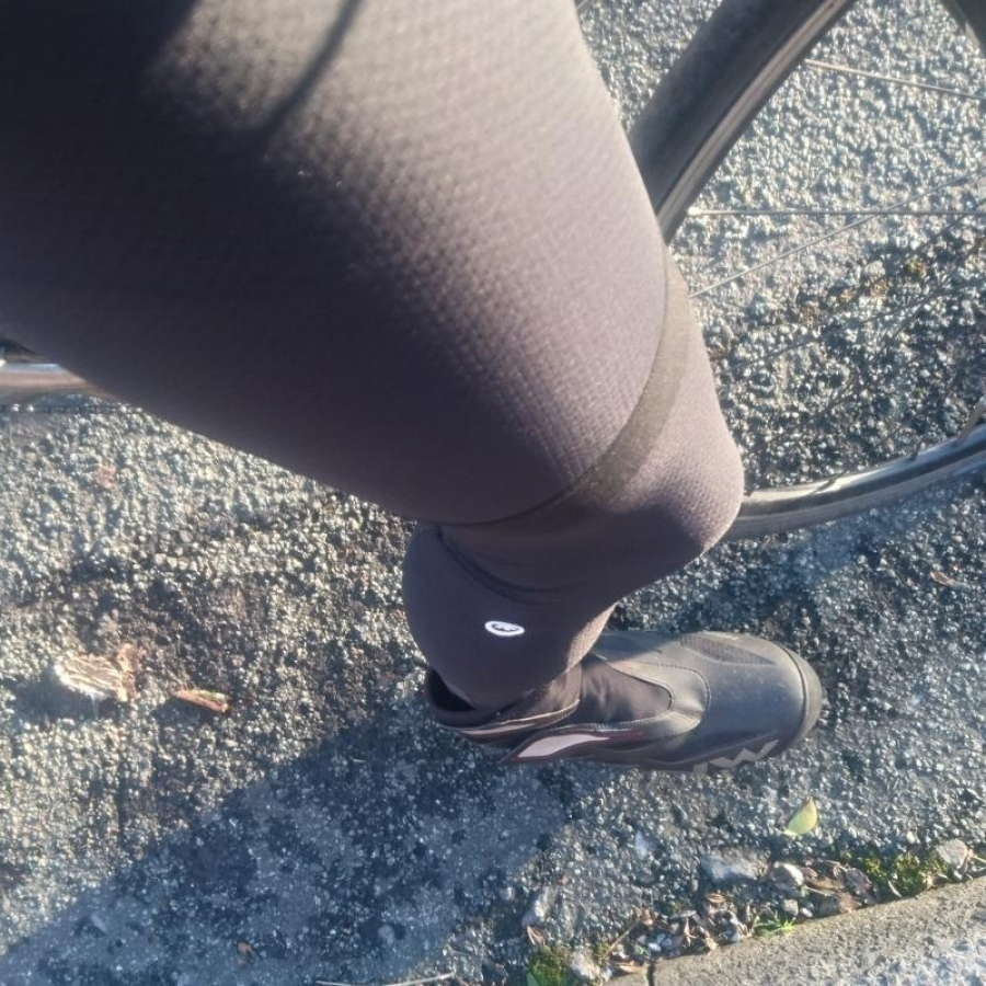 ASSOS legWarmer evo7 Tested and Reviewed